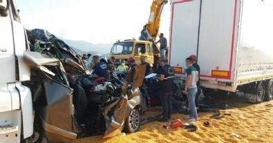Manisa'da katliam gibi kaza! 3 ölü, 5 yaralı