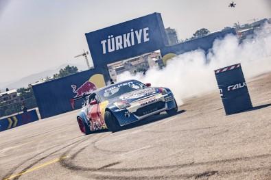 Red Bull Car Park Drift'te Berfu Tutumlu Mutlu Sona Ulasti