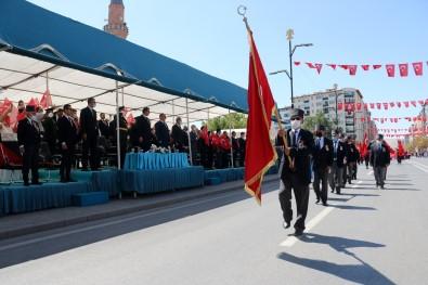 Sivas'ta Zafer Bayrami Coskuyla Kutlandi