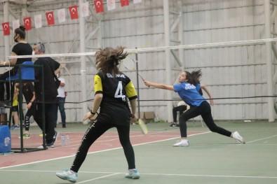 Talas'ta Badminton Heyecani Basladi