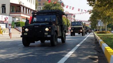 Tekirdag'da Zafer Bayrami Açiklamasi Vatandaslar Askeri Araçlarin Geçisini Büyük Bir Ilgiyle Izledi