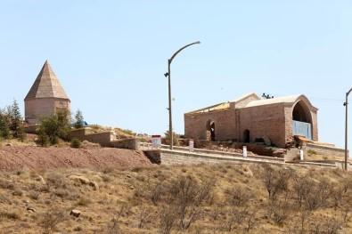 Aksaray'da 2. Kiliçarslan Türbesi Ve Köskü Restore Ediliyor