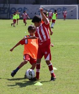 Antalyasporlu Küçük Futbolcular, 30 Agustos Zafer Kupasi'nda Bir Araya Geldi