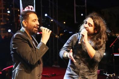 Atakum'da Zafer Coskusu Açiklamasi Selçuk Balci Ve Ismail Altunsaray Konseri