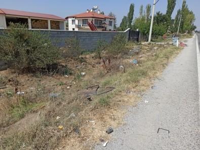 Duvari Yikip Takla Atan Minibüste Bir Kisi Hayatini Kaybetti