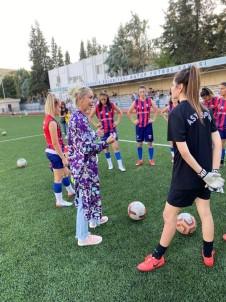 Ilknur Aktas Açiklamasi 'Kiz Çocuklarini Spora Tesvik Edip Iyi Bir Hayat Seçmelerini Istiyoruz'