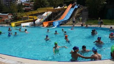 Keçiören Belediyesinin Aqua Parklarina Gençlerden Büyük Ragbet