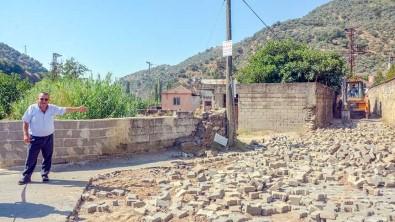 Kösk Belediyesi Uzundere Mahallesi'nin Yollarini Yeniliyor