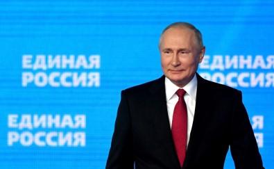 Putin'den Seçim Öncesi Polis Ve Askerlere Ikramiye