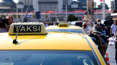 Taksim Meydani'nda Taksi Denetimi