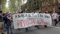 Fransa'da aşı karşıtlarının protestosu kavgaya dönüştü!