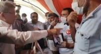 AHMET DAVUTOĞLU - Ahmet Davutoğlu'na evlat nöbetindeki ailelerden HDP tepkisi!