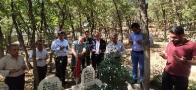AK Parti Semdinli Ilçe Teskilati, Ahmet Budak'i Mezari Basinda Andi
