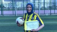 Diyarbakırlı Azize'nin yeni hayali: Antrenörlük için 53 yaşında diploma aldı