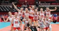 AVRUPA ŞAMPİYONASI PUAN DURUMU - Türkiye 2021 CEV Voleybol Şampiyonasında yarı finalde kimle eşleşti? 2021 CEV Avrupa Şampiyonası Yarı Final Eşleşmeleri Puan Durumu
