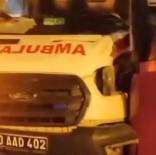 Van'da Ambulans Belediye Otobüsü Ile Çarpisti Açiklamasi 2 Yarali