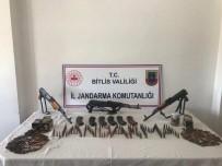 Bitlis'te Çok Sayida Mühimmat Ele Geçirildi