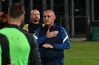 Bursaspor'un Yeni Teknik Direktörü Özcan Bizati Ilk Idmanina Çikti