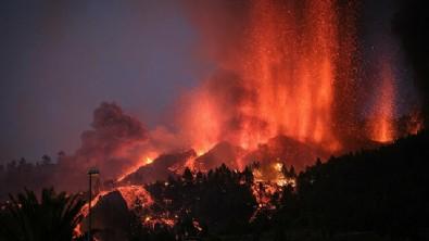 Yakarak ilerliyor! 100'den fazla ev yok oldu