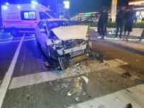 Alkollü Sürücü Kirmizi Isikta Bekleyen Tira Çarpti Açiklamasi  1 Yarali