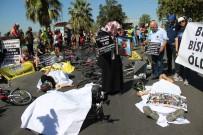 Izmirli Bisikletçilerden Kefenli Eylem