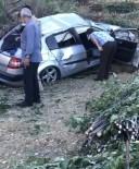Tatvan'da Kontrolden Çikan Araç Kaza Yapti  Açiklamasi 2 Yarali