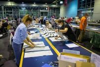 Almanya'da Seçimleri Az Farkla Sosyal Demokrat Parti Önde Götürüyor