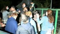 Ankara'daki hayvanseverlerden barınak önünde eylem: Hiçbir şey olmamış gibi devam edeceklerdi