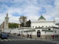 Fransa'da denetlenen 89 caminin 3'te 1'i kapatıldı