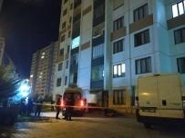 Konya'da Balkondan Düsen Genç Hayatini Kaybetti