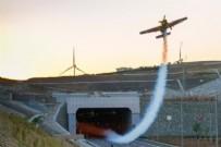 Kuzey Marmara Otoyolu'nda nefes kesen anlar! Dünya havacılık tarihine adını yazdırdı